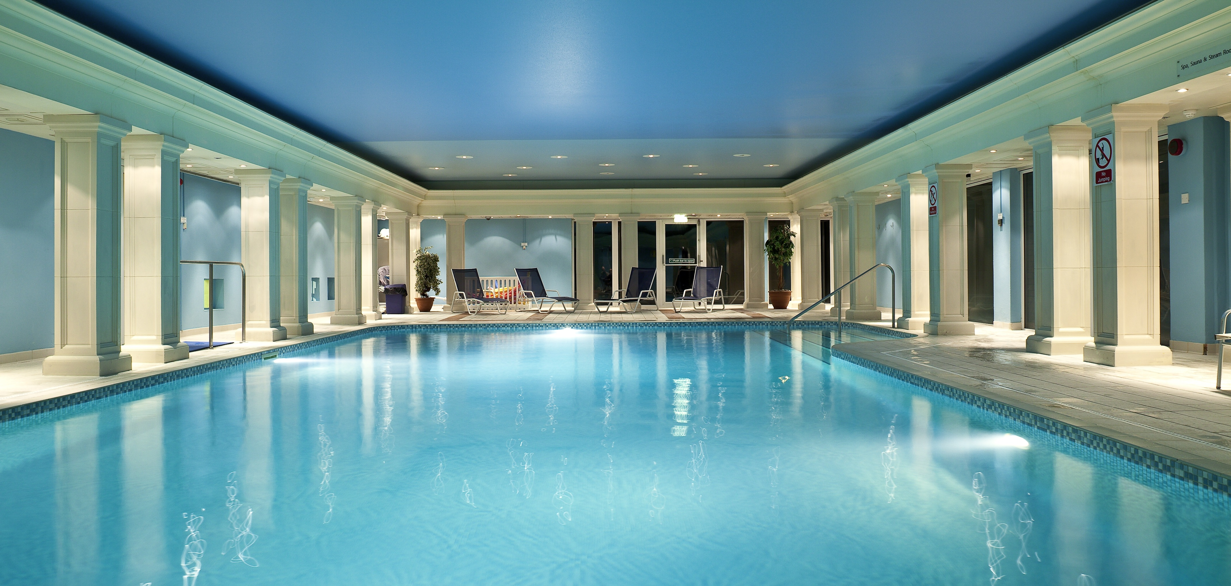Relaxation Station Pool Lounge: Hythe Imperial Spa And Health Club